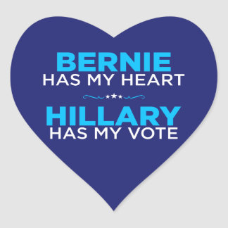 Bernie tiene mi corazón, Hillary tiene mi pegatina Pegatina En Forma De Corazón