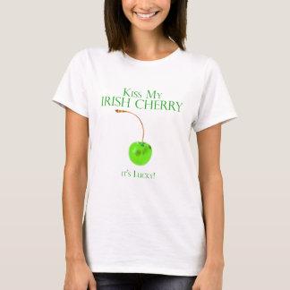 Bese camiseta irlandesa de la cereza
