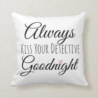 Bese siempre su buenas noches almohada detective