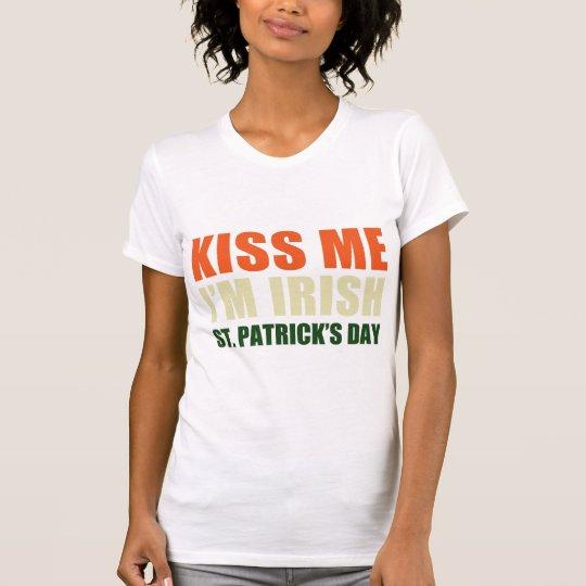 Béseme, yo son irlandés camiseta