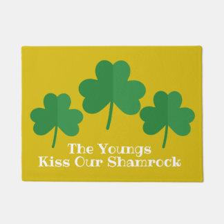 Beso del felpudo el | del día de St Patrick