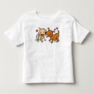 Besos de la nariz del bebé del perro camiseta de bebé