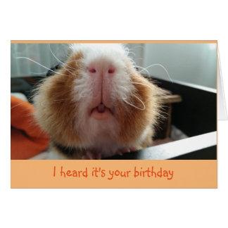 Besos de Piggie y tarjeta de cumpleaños rizada de