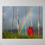 Bhután, pueblo de Gangtey, arco iris sobre dos mon Posters