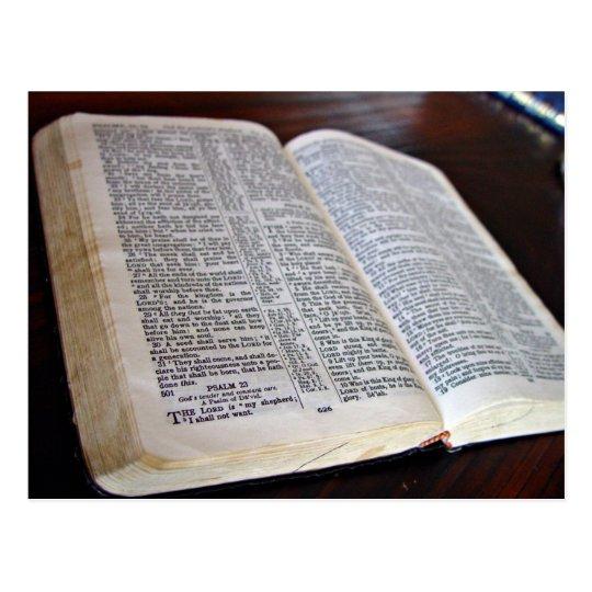 Biblia abierta postal