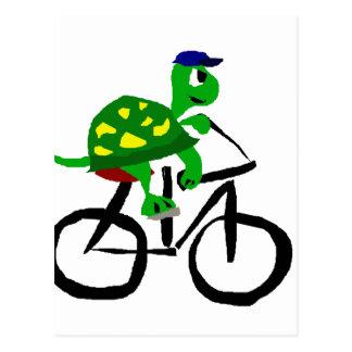 Bicicleta divertida del montar a caballo de la postal