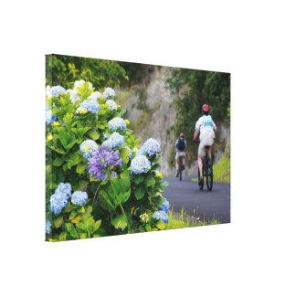 Bicicletas y hydrangeas impresiones en lienzo estiradas