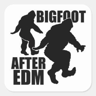 Bigfoot después de EDM Pegatina Cuadrada