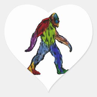 Bigfoot en grande pegatina en forma de corazón