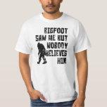 Bigfoot me vio (apenado) camisetas