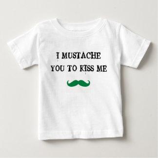 bigote usted para besarme irlandés de la camisa