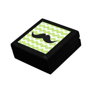 Bigote verde de la baratija del modelo de zigzag d joyero cuadrado pequeño
