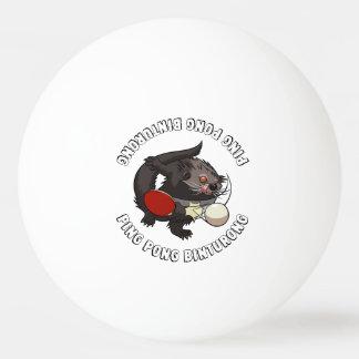Binturong del jugador de tenis de mesa de pelota de ping pong