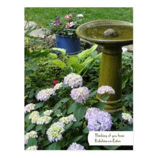 Birdbath adaptable y postal inglesa del jardín