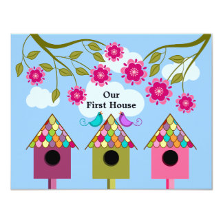 Birdhouses y fiesta coloridos del estreno de una invitación 10,8 x 13,9 cm