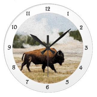 Bisonte y reloj de pared fiel viejo