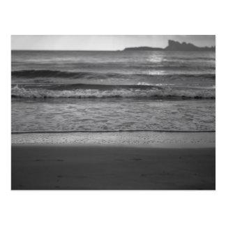 Black and white seaside landscape postal