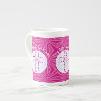 Blanco cruzado cristiano y rosas fuertes del taza de té