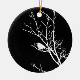 Blanco en silueta negra del pájaro - adorno de cerámica