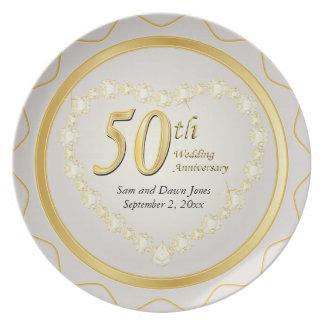 Blanco y aniversario de boda de oro del oro 50.o plato