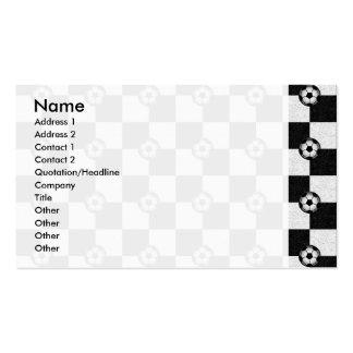 Blanco y negro a cuadros con los balones de fútbol tarjetas de visita