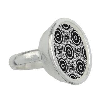 Blanco y negro geométrico anillo con foto