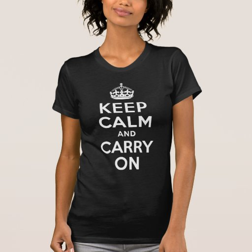 Blanco y negro guarde la calma y continúe camiseta