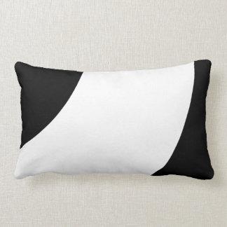 Blanco y negro hermoso cojín lumbar