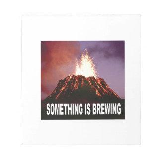 Bloc De Notas Algo está elaborando cerveza