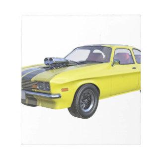 Bloc De Notas coche del músculo de los años 70 en amarillo y