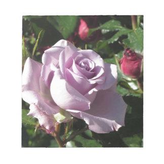 Bloc De Notas Escoja la flor color de rosa violeta con los rosas