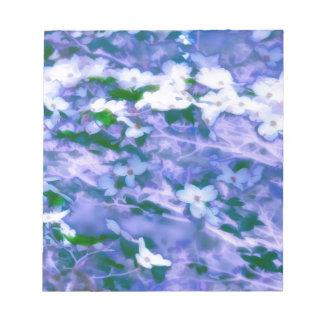 Bloc De Notas Flor blanco del Dogwood en azul