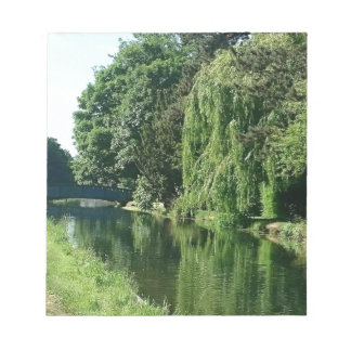 Bloc De Notas Paseo soleado verde del río de los árboles del