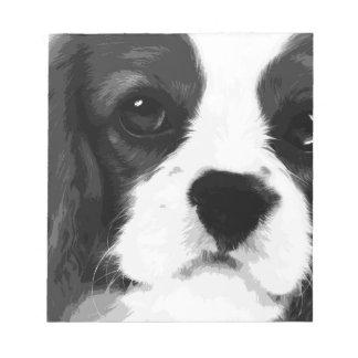 Bloc De Notas Un perro de aguas de rey Charles arrogante blanco