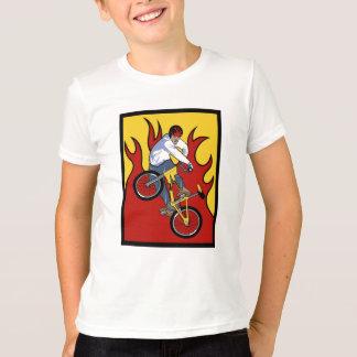 BMX flamea la camiseta
