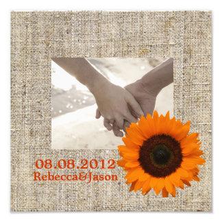 Boda anaranjado de la arpillera del girasol del pa fotos