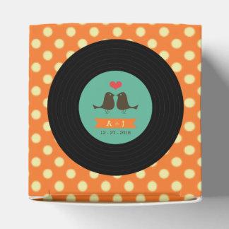 Boda anaranjado del disco de vinilo retro moderno cajas para regalos de fiestas