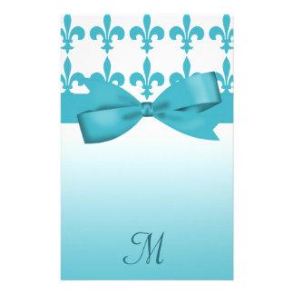Boda azul y blanco de la flor de lis papeleria de diseño