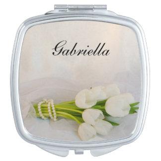Boda blanco de la primavera del ramo del tulipán espejos de maquillaje