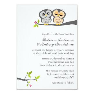Boda de encargo de los búhos preciosos comunicados personalizados