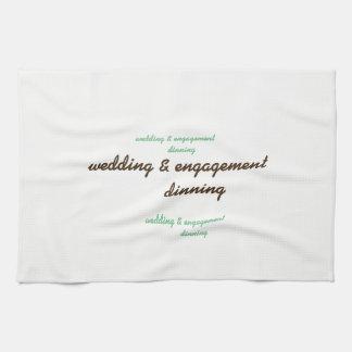 boda de encargo y toalla de cocina del compromiso