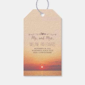 Boda de la puesta del sol de la playa etiquetas para regalos