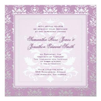 Boda del damasco de la violeta africana y de la invitacion personalizada