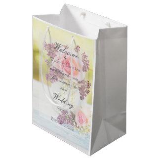 Boda del vintage de las lilas y de los rosas bolsa de regalo mediana