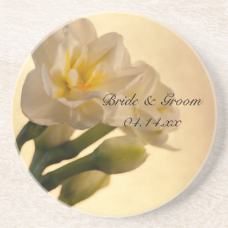 Boda doble blanco de la primavera de los narcisos posavasos diseño