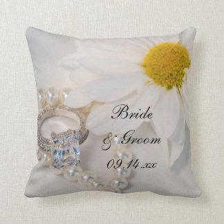 Boda elegante de la margarita blanca cojín decorativo