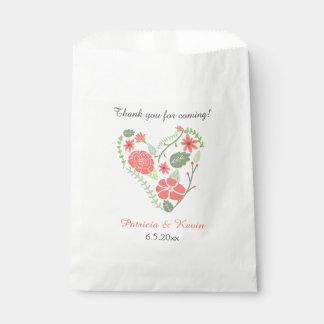 Boda floral rojo del corazón bolsa de papel