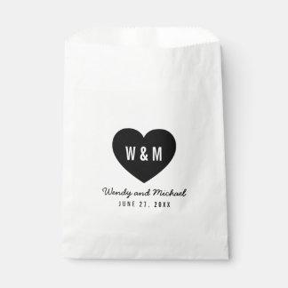 Boda moderno del corazón del monograma bolsa de papel