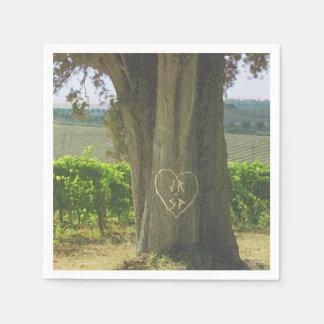 Boda pintoresco del corazón del árbol del campo servilletas desechables