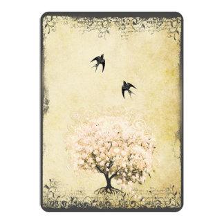 Boda romántico del pájaro del amor del árbol del anuncios